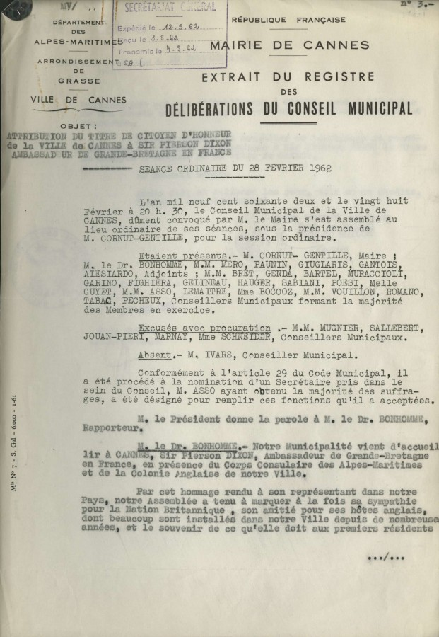 Attribution du titre de citoyen d'honneur à Mr Dixon, 1962 (43W620_004)
